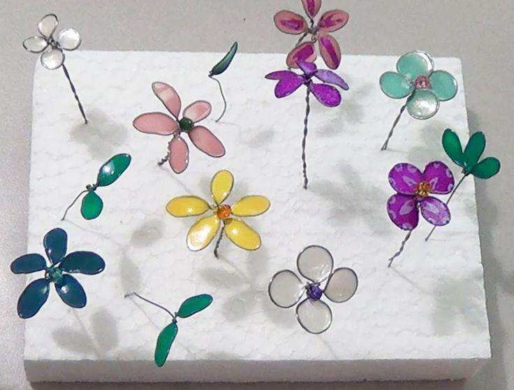 In questo video vi faccio vedere come realizzaredei bellissimi fiorellini usando gli smalti per unghie e del fil di ferro. E' semplice e potete decoraci tantissime cose, compresi cestini, barattoli, bomboniere, accessori per capellie addirittura delle bellissime collane e braccialetti ... Read More