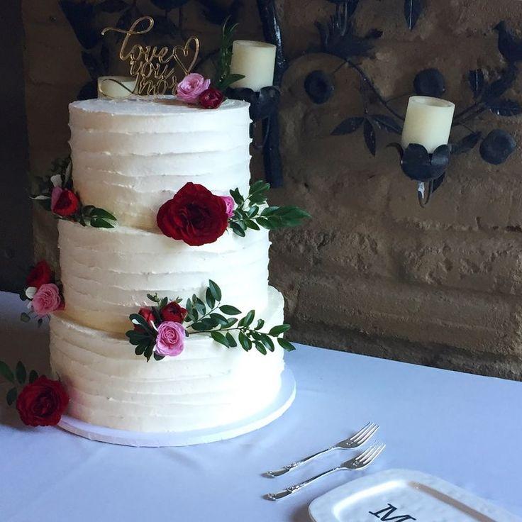 Burgundy, blush wedding cake.  snowberrystudio.com