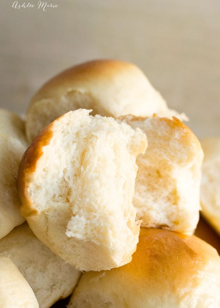 Easy to make, light and slightly sweet - everything you want in a dinner roll - kings hawaiian dinner rolls copycat recipe