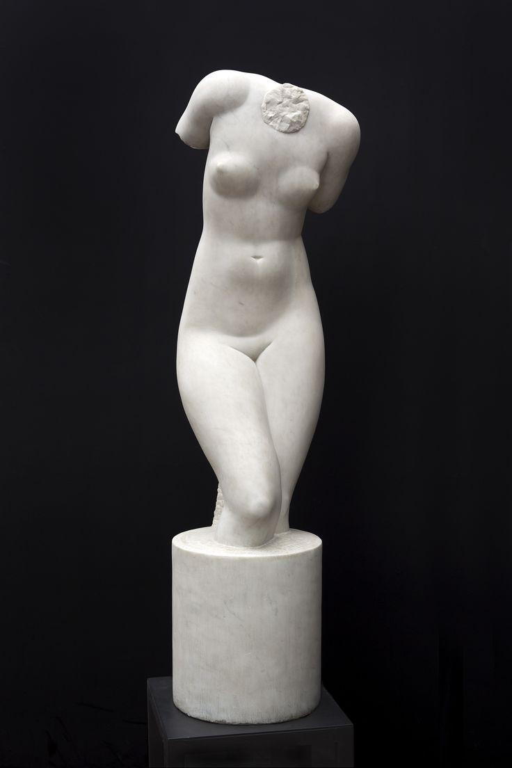 O Centro Cultural dos Correios apresenta a exposição Brecheret- Mulheres de Corpo e Alma, Desenhos e Esculturas, em cartaz até o dia 7 de dezembro, com entrada gratuita.