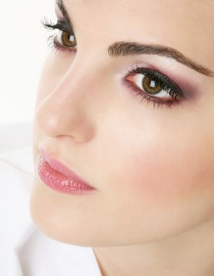 Beautiful makeup for your wedding.
