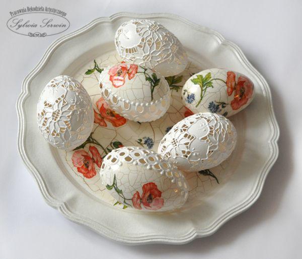 azurowe jajeczka -pracownia rekodziela artystycznego Sylwia Serwin