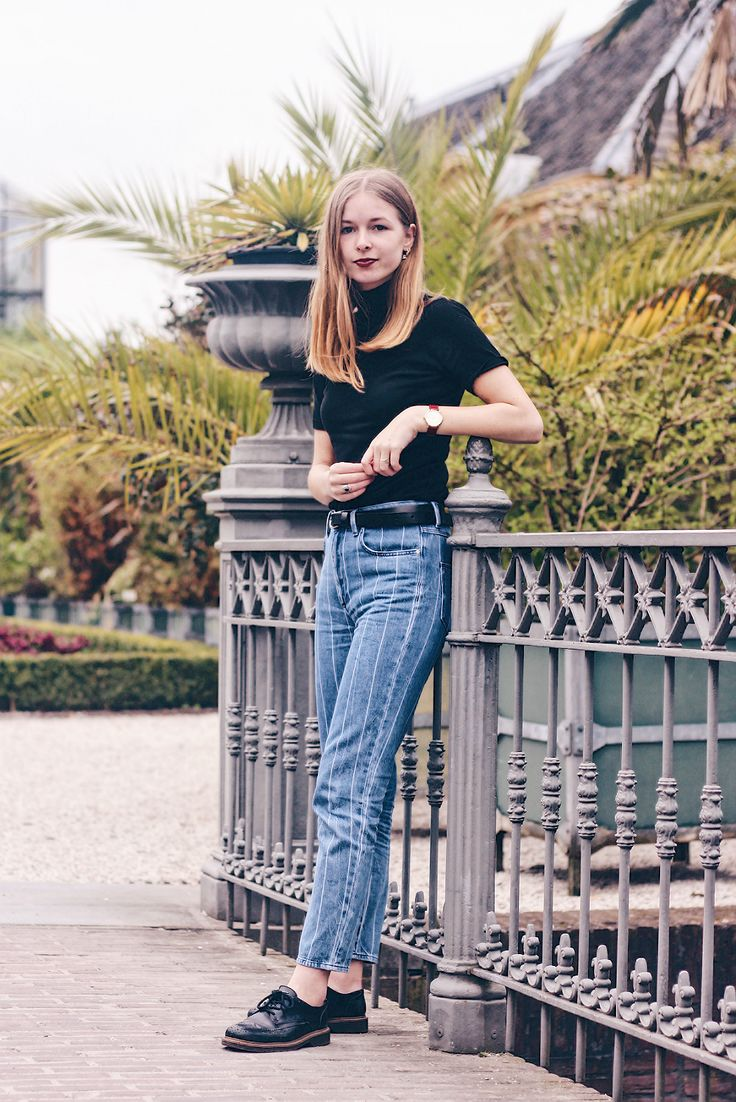 OUTFIT | Striped Jeans // Fashion blogger from Amsterdam, wearing striped jeans, black turtleneck, outfit, style, fashion, inspiration