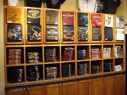 t shirt display wall google search studio workshop wish list pinterest shirts display. Black Bedroom Furniture Sets. Home Design Ideas