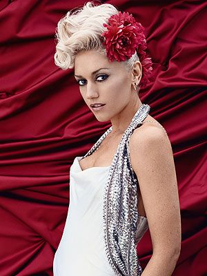I'm straight but I've had a crush on her since 9th grade. She's just beautiful smart and once had pink hair, Gwen Stefani