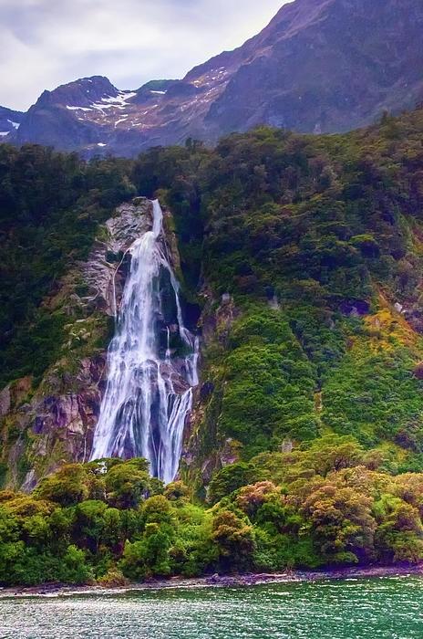 ✯ Waterfalls At Milford Sound - New Zealand