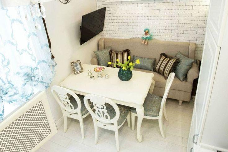 Дизайн кухни с диваном - параллельная расстановка рабочей и обеденной зоны