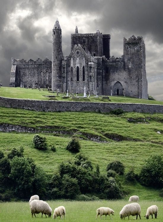 In the real world: The Rock of Cashel, Cahir, County Tipperary, Ireland In Kaline: this is Cleant Castle