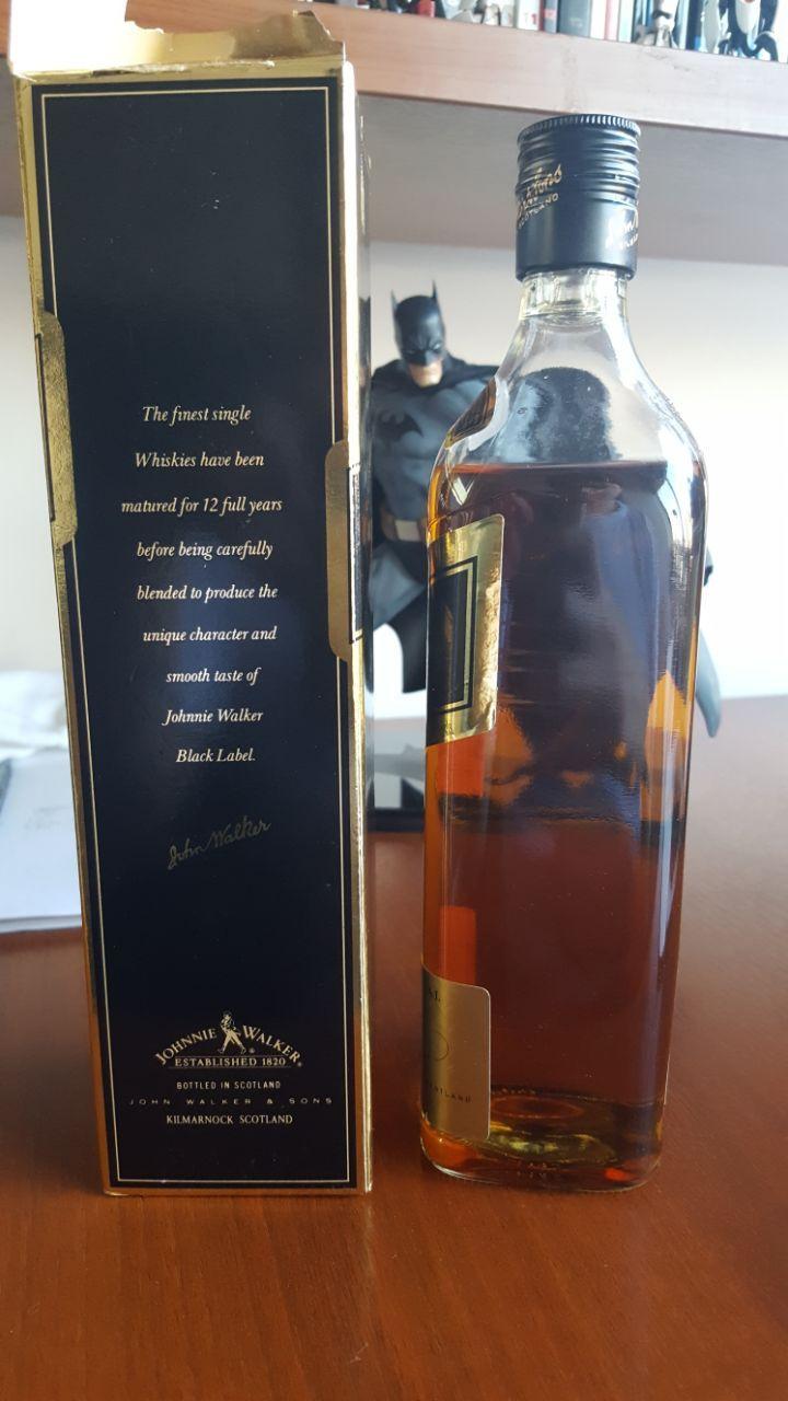 Help determining the estimate year of an old Johnny Walker Black Label? #scotch #whisky #whiskey #malt #singlemalt #Scotland #cigars