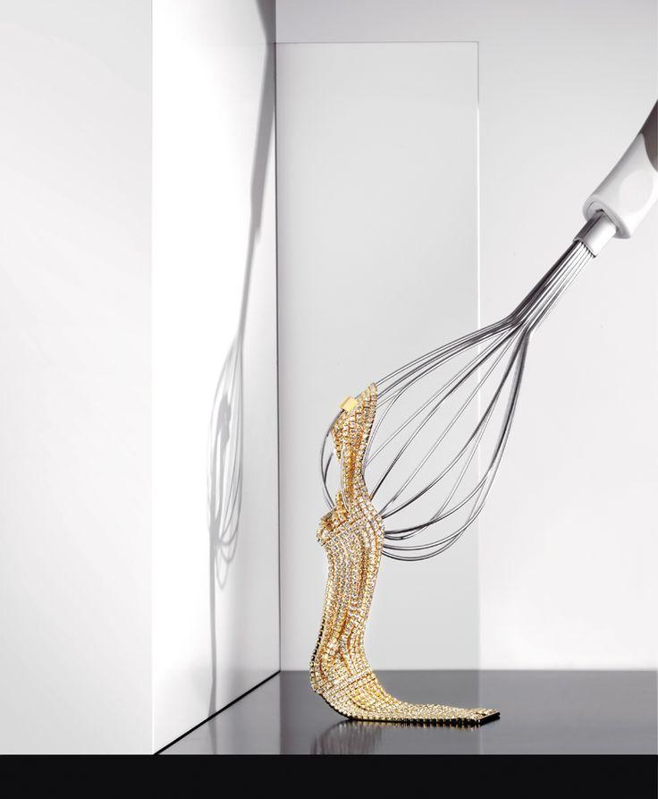 1AR by Unoaerre  www.unoaerre.it  bracciale in ottone dorato e cristalli /bracelet in gold-plated brass and crystals