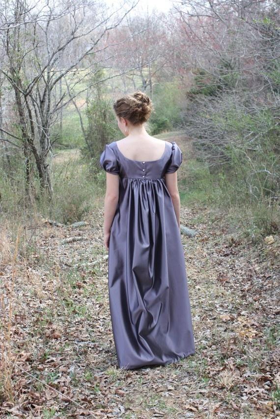 Elegant Lavender Regency Dress Reenactment Costume And