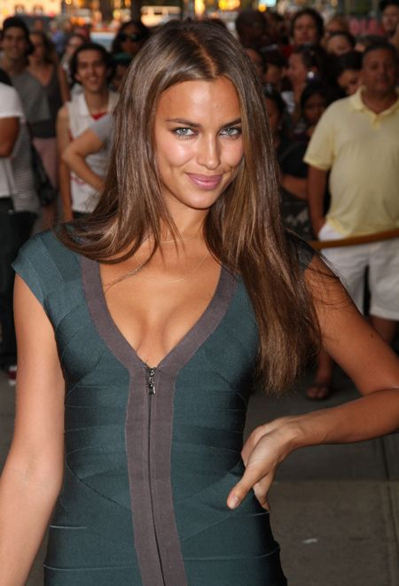 Irina Shayk green zip dress - deep soft summer?