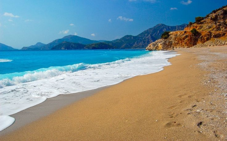 #Strand in der Nähe von #Ölüdeniz #Türkei © shutterstock