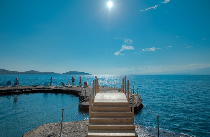Elounda Breeze - the Beach #crete #vitahotels #eloundabreeze #beach #greece #summeringreece #summerincrete #blue