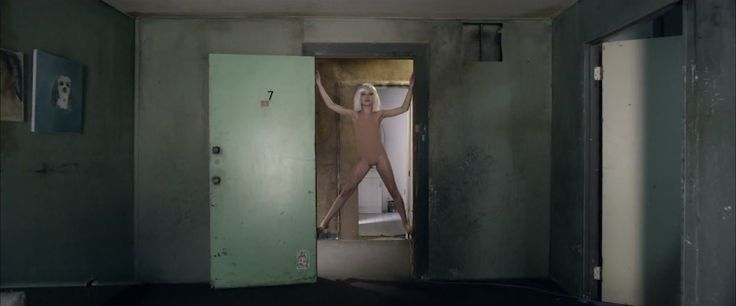 "Sia's ""Chandelier"" Music Video = my jam"
