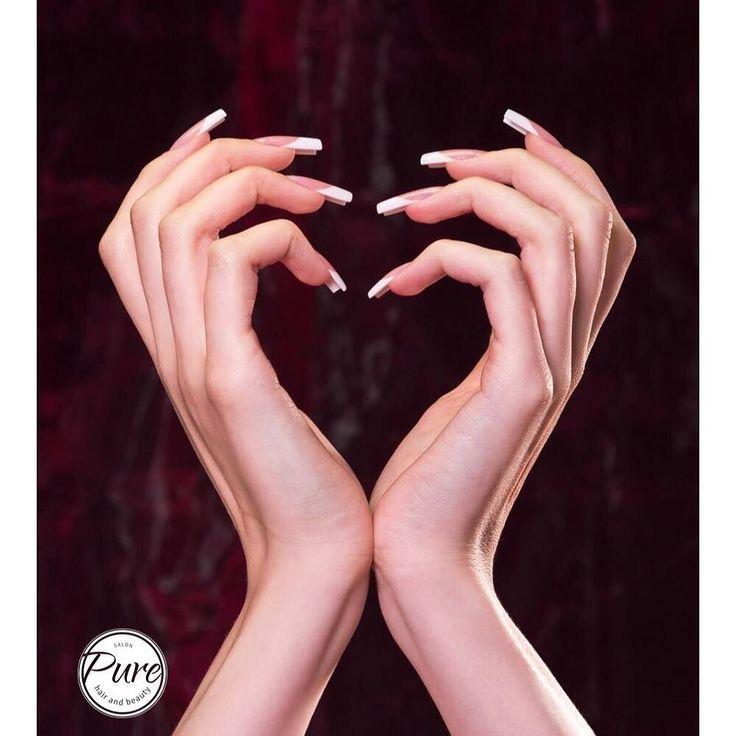 In de #nagelstudio van http://ift.tt/2mkqaxI word gewerkt met #liefde voor #nagels en #handen. Onze #nagelstylist Sabine creëert van #elegante #frenchnails tot #creatieve #nailart #nagelstudio #beautysalon #massagesalon #Almere #totaleservice