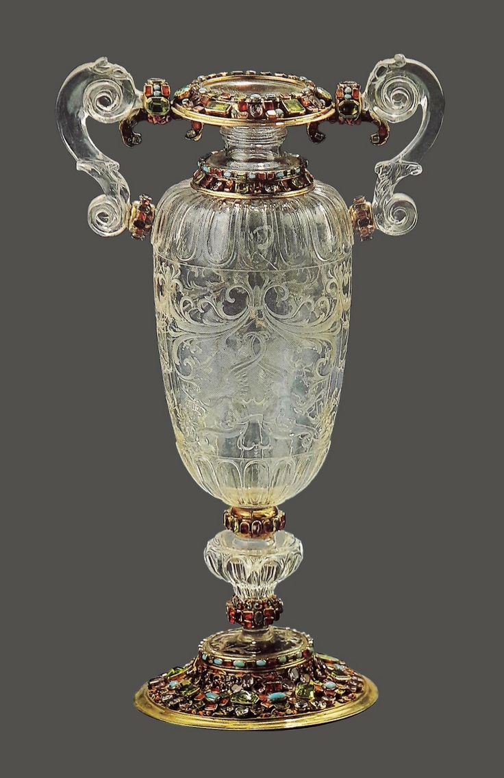 Crystal vase in silver framing set with precious stones by Anonymous from Augsburg, thrid quarter of the 17th century, Skarbiec Paulinów na Jasnej Górze, from a set offered by Queen Maria Josepha of Austria to the Jasna Góra Monastery in 1744, possibly from the collection of Michael Korybut Wiśniowiecki