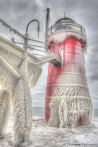 Frozen Lighthouse | Amazing Snapz