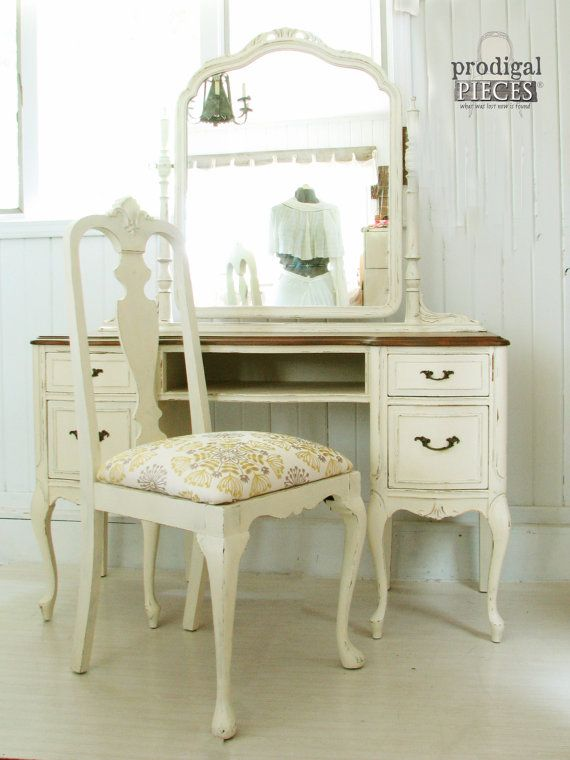 Gorgeous Antique Queen Anne Dressing Table   Vanity with Upholstered Chair    Shabby Chic Divine77 best Queen Anne Furniture images on Pinterest   Queen anne  . Antique Queen Anne Upholstered Chairs. Home Design Ideas