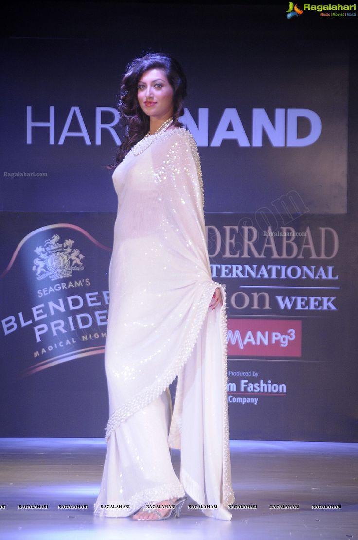 Shimmering Hamsa Nandini.