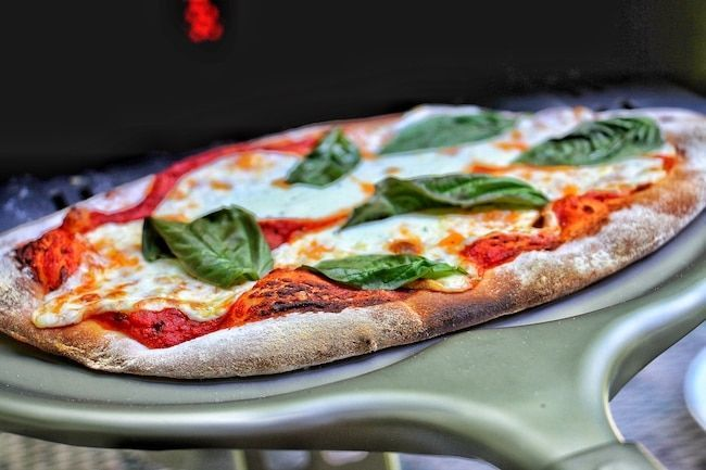 3 Methods For Restaurant Quality Pizza At Home Art Of Manliness In 2020 Cooking Pizza Man Food Cooking Recipes