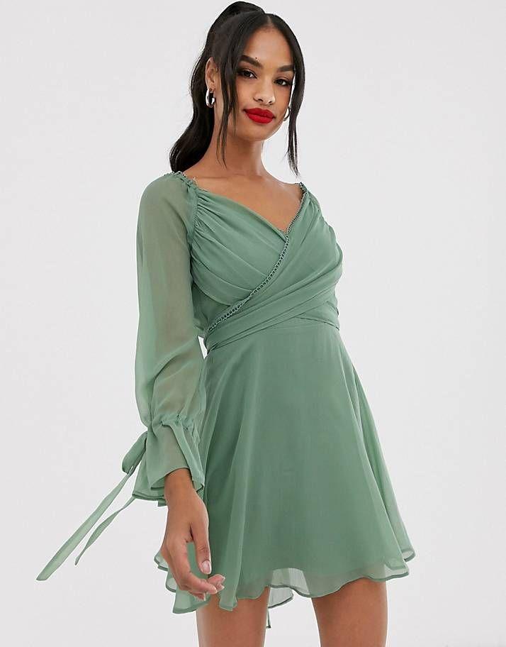 Asos Design Minikleid Mit Gestuftem Rock Gewickelter Taille Und Spitzenbesatz Kleider Damen Damenkleider Geschichteter Rock