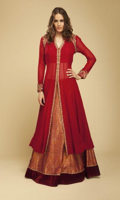 kurta with long skirt. Read more http://fashionpro.me/7-kinds-bottoms-pair-womens-kurta