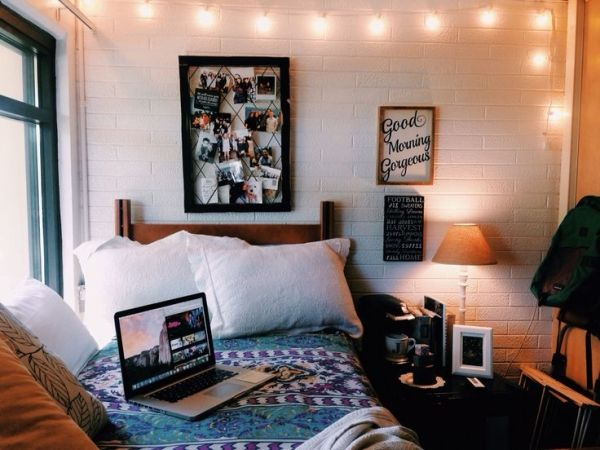 Dorm Room Idea So Cute University Pinterest Bed Covers Wall Decor And So Cute