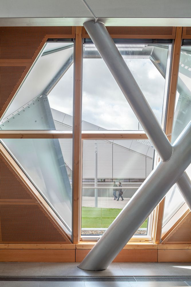 Gallery - Coventry University, Faculty of Engineering and Computing / Arup Associates - 12