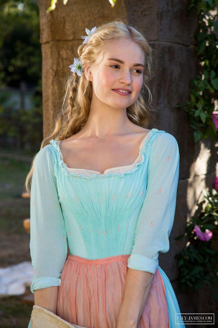 Cinderella (2015)-
