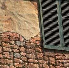 How to Decorate in Tuscan Style:   Exposed brick denotes traditional Tuscan style. Tuscan style draws from the old-world look of Italian vineyards, villas and farmhouses. Decorating in this hybrid aesthetic does not have to involve renovating your entire home. Instead, use samples of favorite features in the rustic design tradition and combine them with a bold, earthy aesthetic.