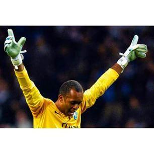 FC Porto Noticias: Helton acarinhado no regresso à Liga