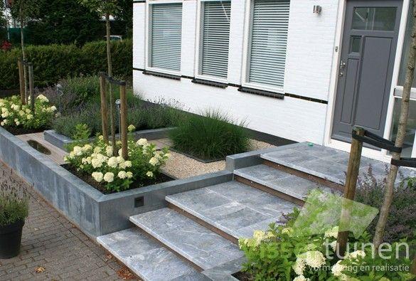 25 beste idee n over voortuinen op pinterest groenvoorziening voortuin tuinieren en tuin - Moderne tuin ingang ...