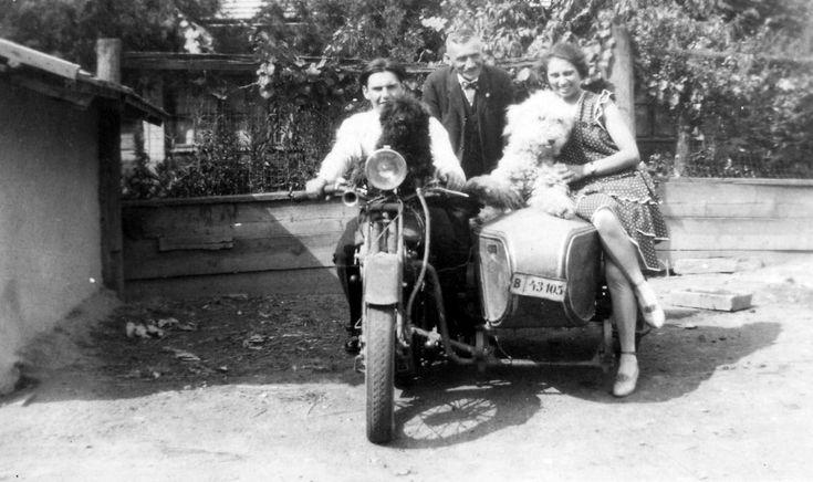 Méray oldalkocsis motorkerékpár.