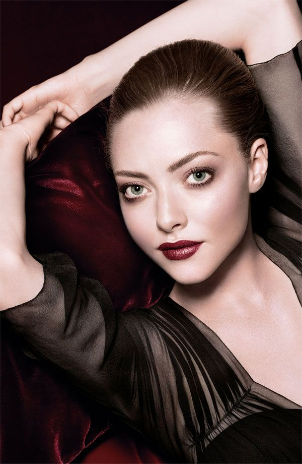 Amanda Seyfried holiday look inspiration