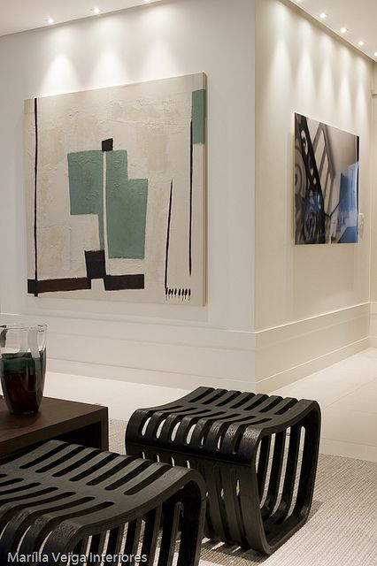 Large modern art for the wall or above the fireplace love the statement small benches