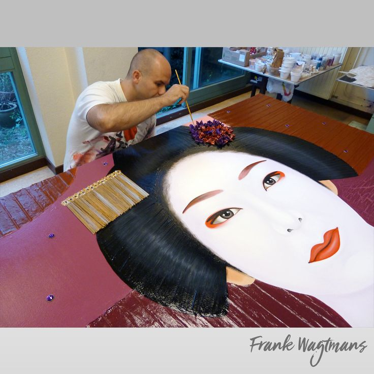 Large painting on canvas. Geisha art. Modern and Hand-Painted Art Wall Mixed media Painting on Canvas by Frank Wagtmans. Exclusive portrait art. Only one copy exists of each artwork. #geisha #painting #artwork #art #portraits #paintings #dutch #artist #atelier #artexhibition #artstudio #artist #paint #asian #luxuryinterior #kunst #schilderij #modernekunst