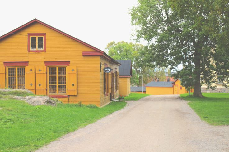 #Suomenlinna - colorful houses, only about 850 inhabitants.