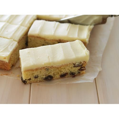 This deliciously easy sultana slice recipe doesn't hide behind any fancy ingredients - it's just good, old-fashioned baking at its best