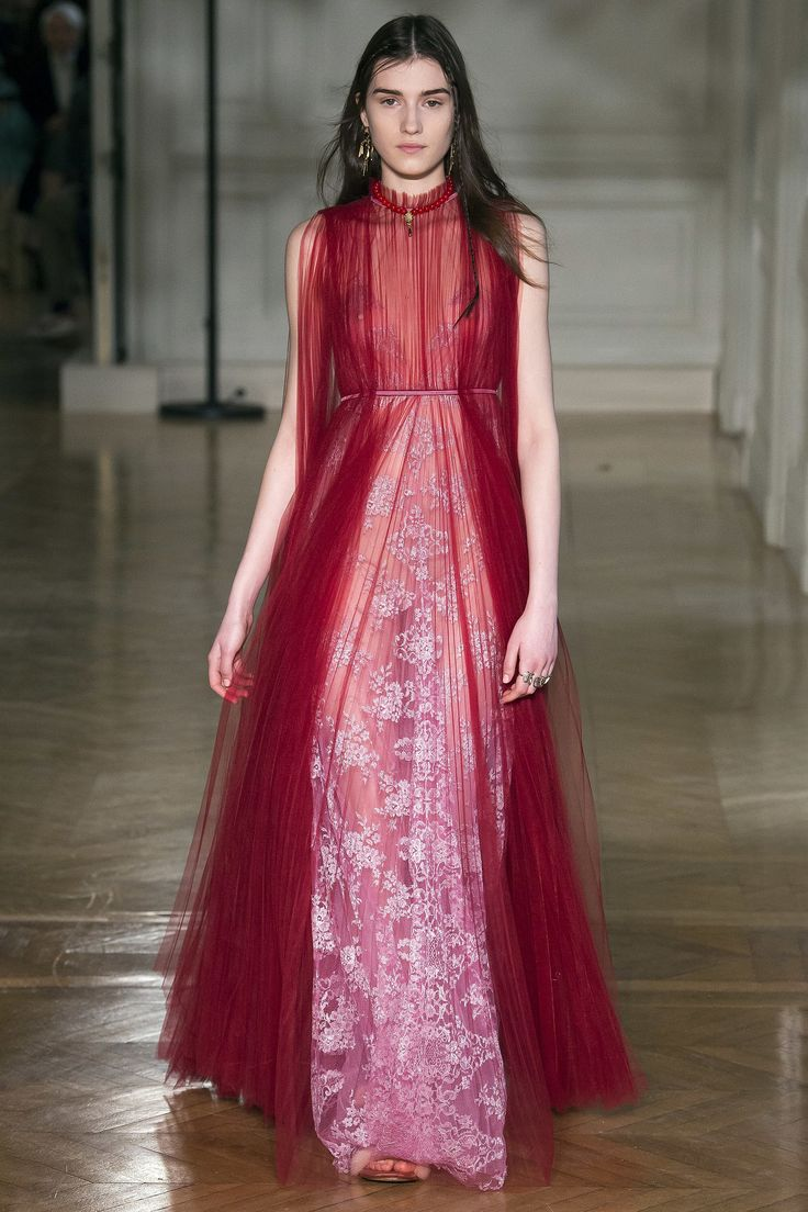The combination and every part of this dress is love ❤️ Valentino Fall 2017 Ready-to-Wear collection.