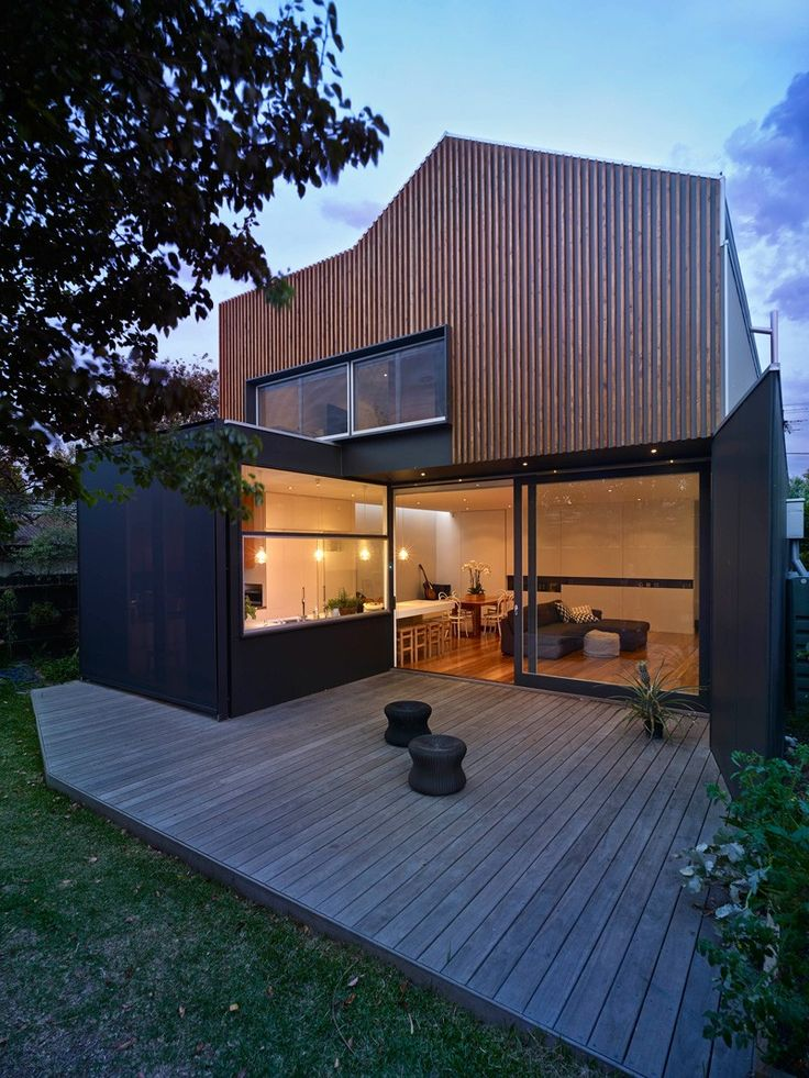 A Timber Clad Extension Contrasts but Considers its Edwardian Roots