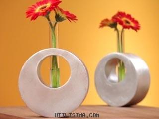 Floreros redondos hecho de cartón