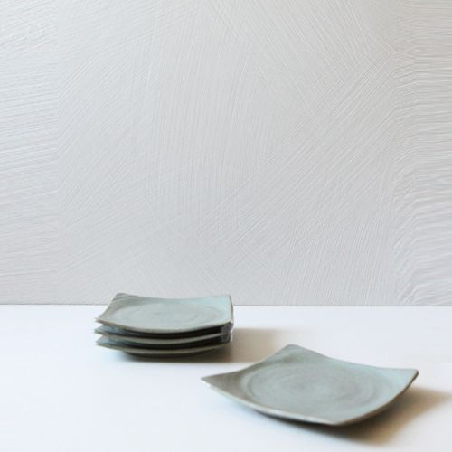 Casual line Wormwood Round Square Plate 15, set of 4 / $62.00