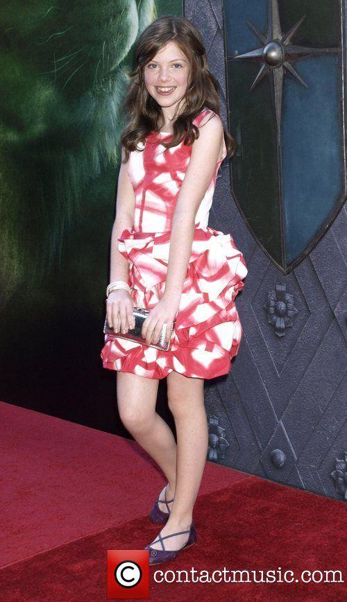 Gallery For > Georgie Henley Feet | Red Carpet Dresses ...