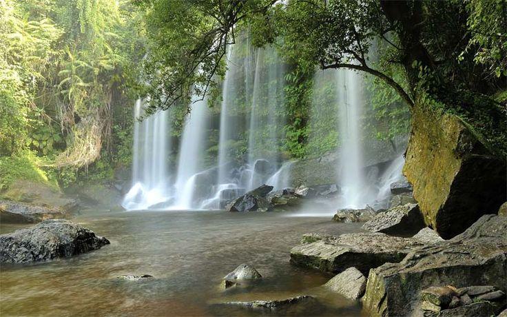 Een schitterende waterval in het regenwoud van de Kulen Hills, een ongerept stukje Cambodja waar nauwelijks toeristen komen. De mooiste vakantie naar Cambodja vindt u op Original Asia! Rondreis - Cambodja - Zuiden  - Ongerept - Kulen Hills - Waterval - Original Asia