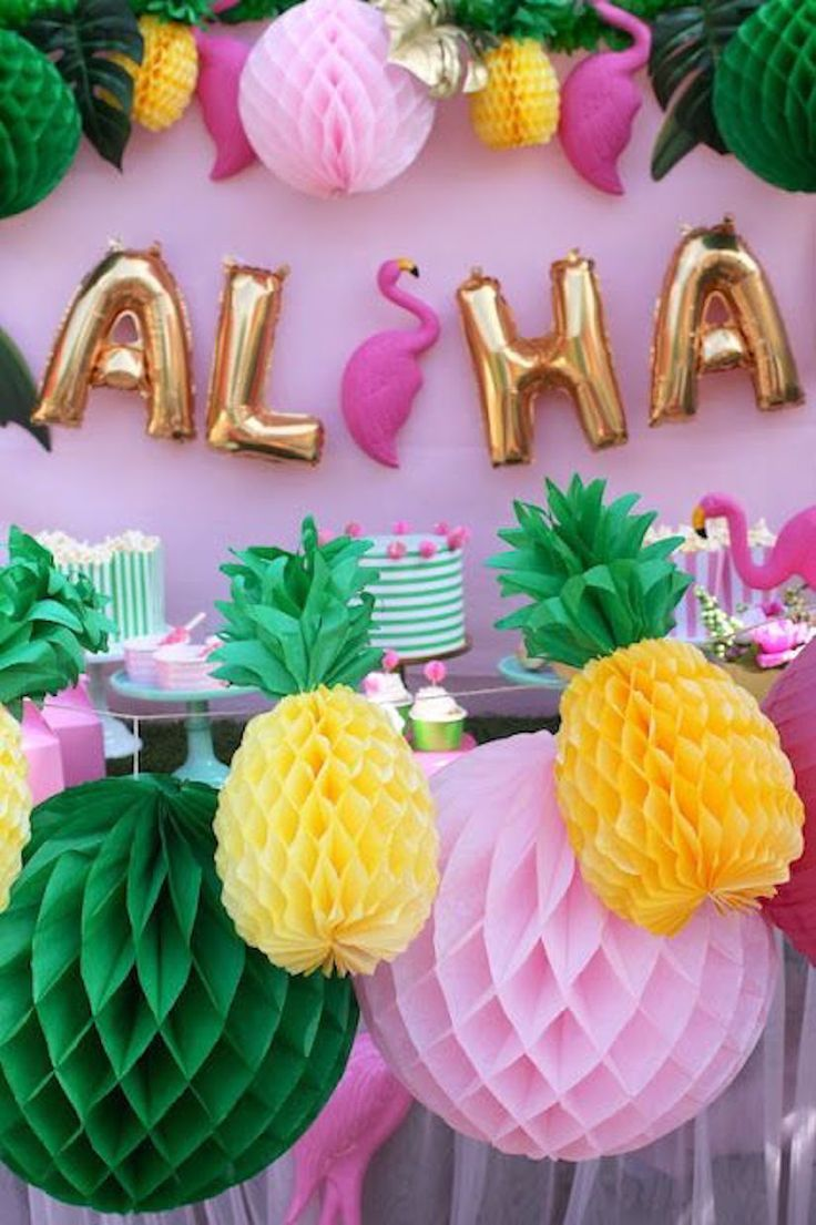 Adult birthday table decorations - The Kissing Booth Blog Best Summer Party Ideas Aloha Luau Party