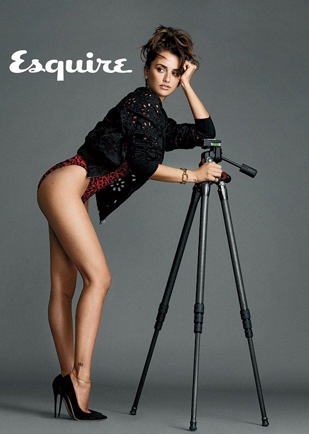 Το περιοδικό Esquire ανέδειξε την Penelope Cruz ως την πιο sexy γυναίκα για το έτος 2014!Δείτε την φορώντας τα,σχεδιασμένα από την ίδια,εσώρουχα L'Agent by Agent Provocateur. Διαθέσιμα αποκλειστικά στο Palmers shop #MyGoldenHall