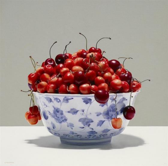 hyper-realistic paintings by Luciano Ventrone