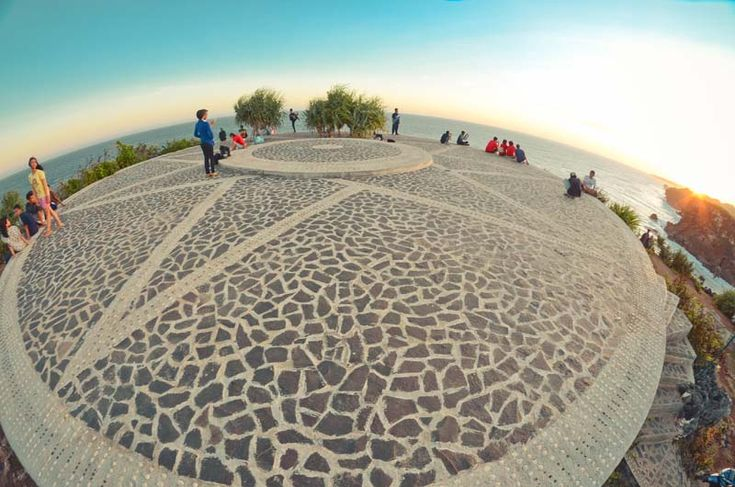 Puncak Giri Sarangan Pemandangan Menawan di Yogyakarta - Yogyakarta