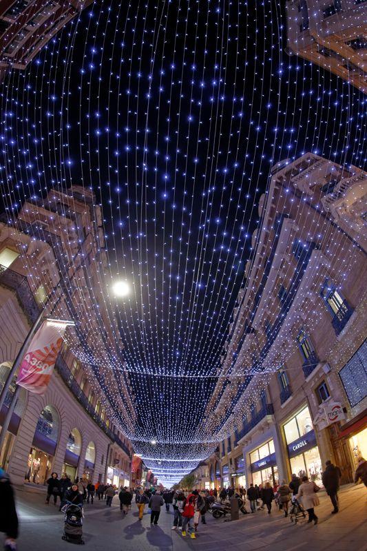 Découvrez les splendides illuminations de Noël à Toulouse ! © P. Nin - Ville de Toulouse #visiteztoulouse #christmas #prochainvoyage